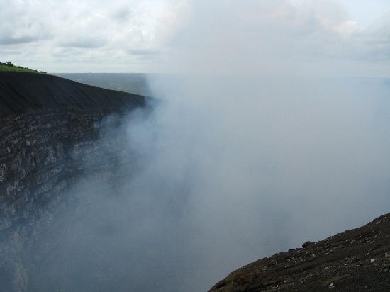 Hotel Granada: Active Volcano