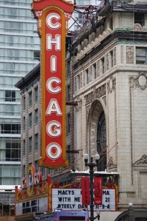 Chicago Opera Theater : Chicago Theater