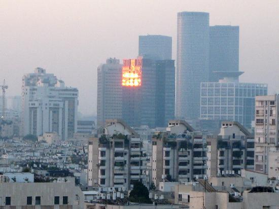 Melody Hotel   Tel Aviv - an Atlas Boutique Hotel: Sunrise view from our window