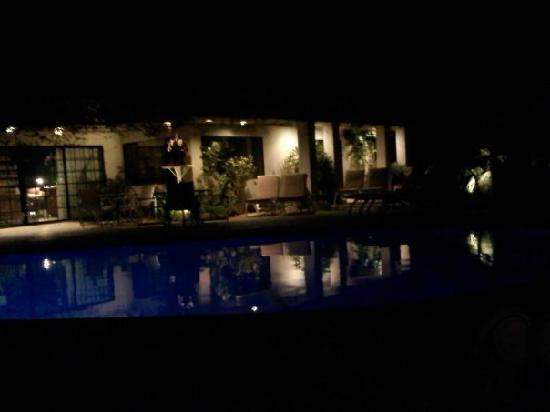 East Canyon Hotel and Spa: Too busy getting sun in the daytime, but here's a nighttime view of the pool and the clubhouse.