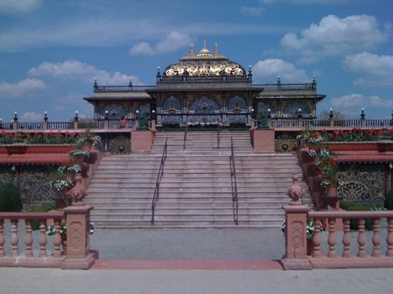 Moundsville, Virginia Occidentale: Palace of Gold Hari Krishna Temple
