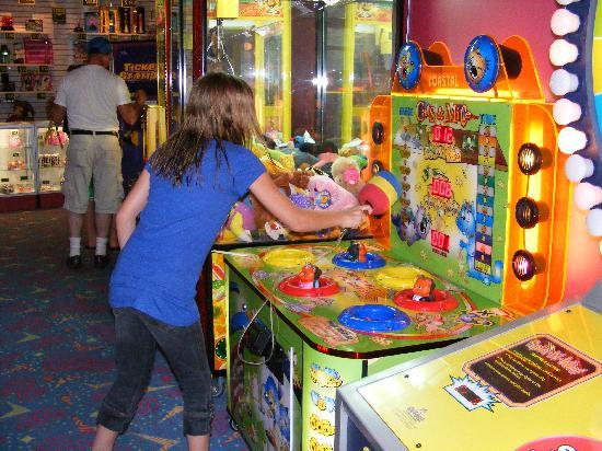 Cherry Valley Lodge: Small Arcade