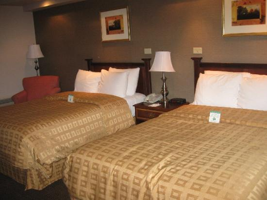Clarion Hotel and Conference Center Hagerstown: View of our room with two double beds