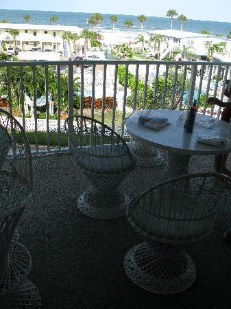 Calini Beach Club: Back Porch