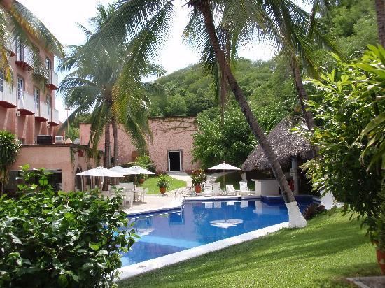 Hotel Castillo Huatulco Beach Club The Pool Area At