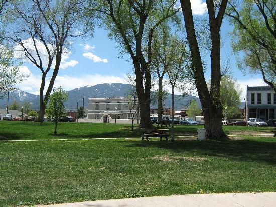 Look how clean this park is in Salida