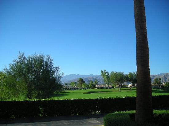 Rancho Mirage, CA: View from our lower floor patio.