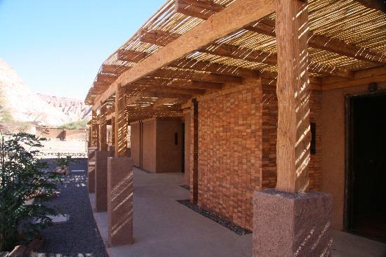 Alto Atacama Desert Lodge & Spa: Outside our room