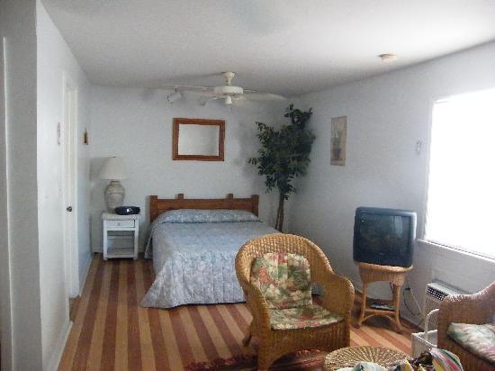 Smallest Bar Inn: Bedroom area