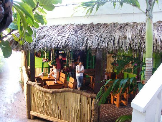 Smallest Bar Inn: Jungle room restaurant outside B & B