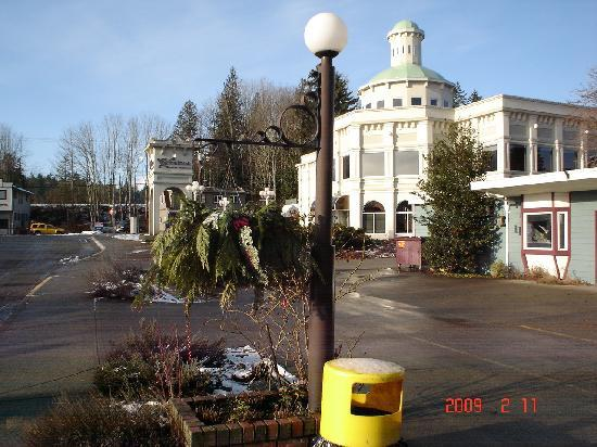 Chemainus Theatre: Theatre is a late-19th-century opera style house