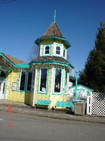 Chemainus Theatre: old town Chemainus