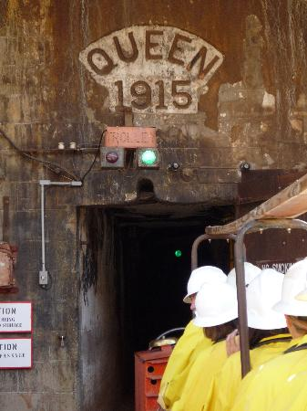 Queen Mine Tours: The Queen Mine Entrance