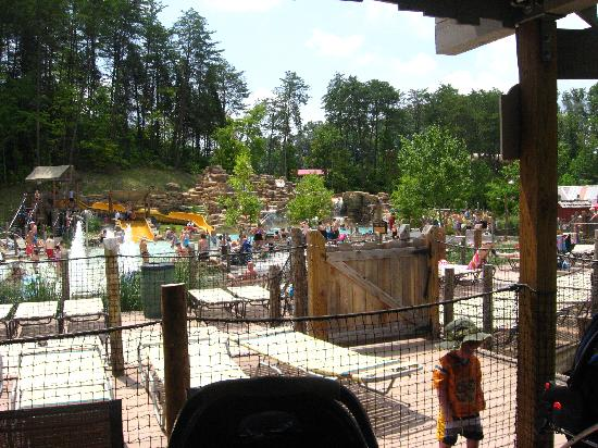 Dollywood's Splash Country Water Adventure Park: Waterside Retreat at Splash Country Dollywood