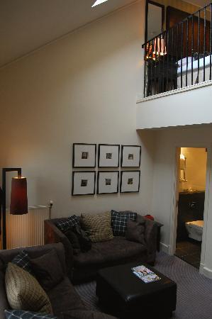 Malmaison Hotel: Stairway to upper level