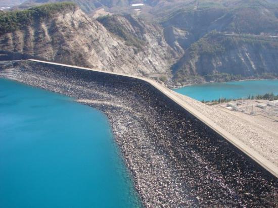 Lac De Serre Pon U00e7on Le Barrage