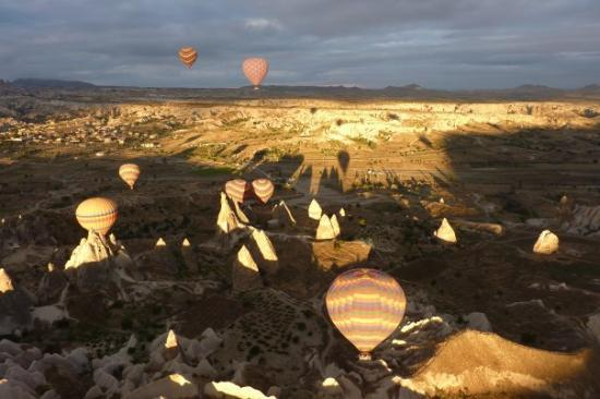 Kapadokya Balloons: Ahí os va una muestra de lo flipante que es esto... y si, la foto la saqué yo....