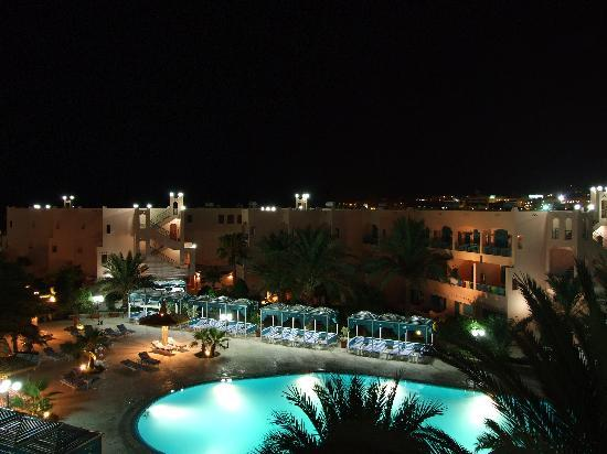 Le Pacha Resort: Hotel courtyard/garden