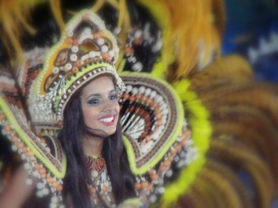 Parintins, AM: Samba show