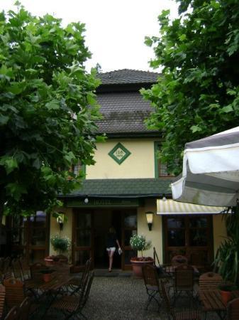 Hotel Restaurant Scheid: Biergarten at Hotel in Heidelberg.  A Biergarten (Beer Garden) is a wonderful place where people