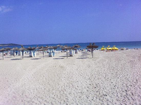 Hotel Mariant: beach 5 mins away