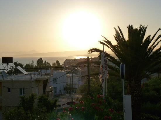 Folia Apartments: Early mornig from our balcony in Folia