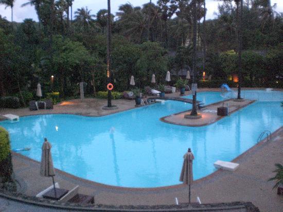 โรงแรมออล ซีซั่นส์ ในหาน ภูเก็ต: L'une des 2 piscines, très agréables