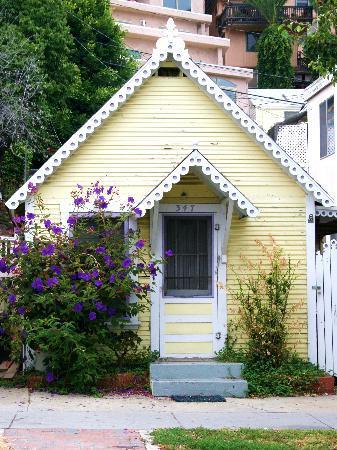Avalon, CA: quaint cottages