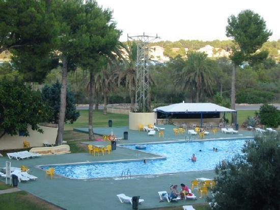 Piscine vue de l appart picture of bellevue club port d for Club de piscine