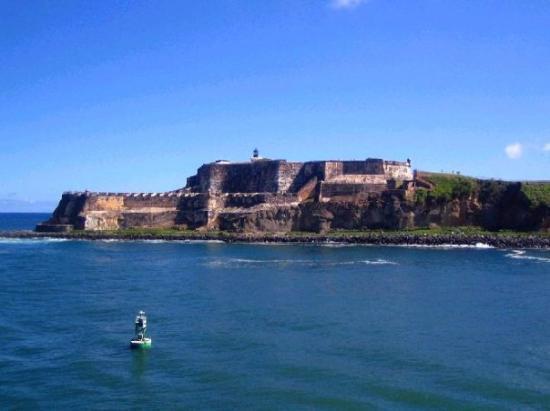 Paseo de la Princesa : Vista del Morro, San Juan PR