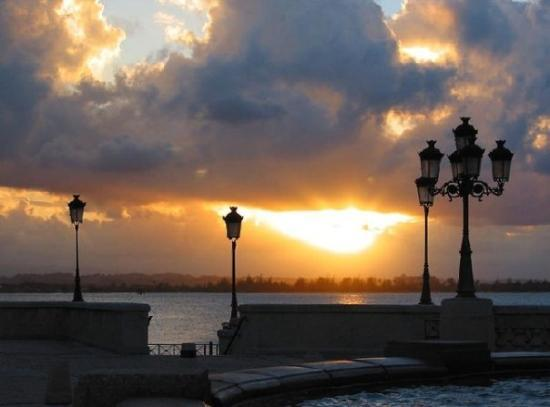Paseo de la Princesa: Atardecer en San Juan