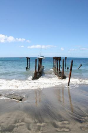 Santo Eustáquio: St. Eustatius: beach at The Old Gin House