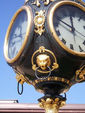 National Watch and Clock Museum: outside the museum