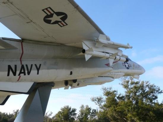 Pensacola Naval Air Station: F14 gate guardian