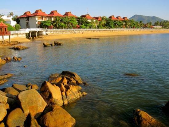 Royal Hotel & Healthcare Resort Quy Nhon: Red Beach, Quy Nhon