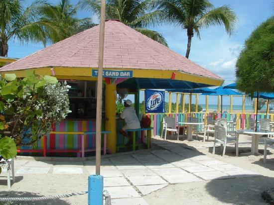 Blue Water Resort on Cable Beach: Tiki Bar
