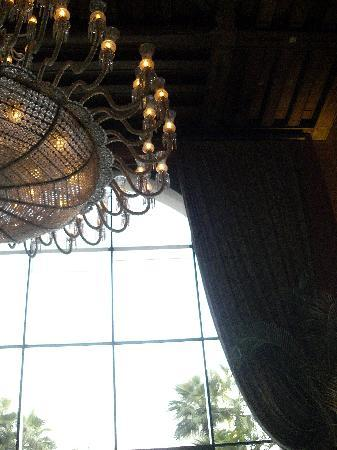 Sofitel Cairo El Gezirah: lustre du lobby