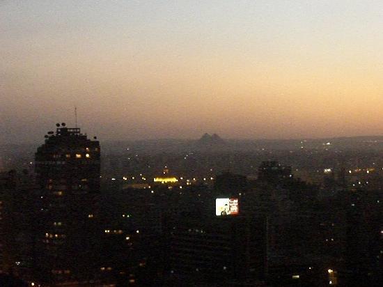 Sofitel Cairo El Gezirah: luxury room, vue sur les Pyramides