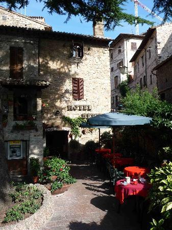 Hotel Berti: the patio
