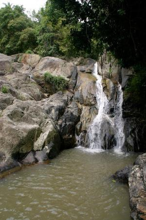 น้ำตกหน้าเมือง: Waterfall 1 80 meters
