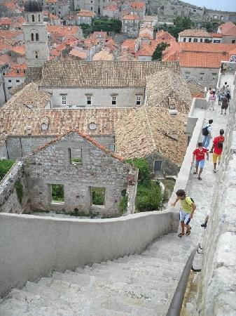 Apartments Artemis Dubrovnik: Walking the city walls