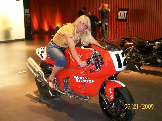 Harley-Davidson Museum: Ok, I can't drive,just dream.