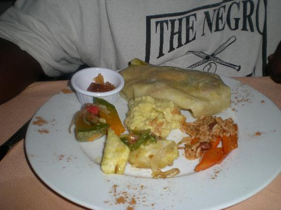 St. Kitts og Nevis: My husbands chicken dish, was also great