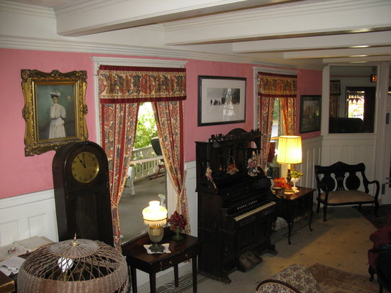 The Riverside Inn: Fine antiques fill lobby and hallways