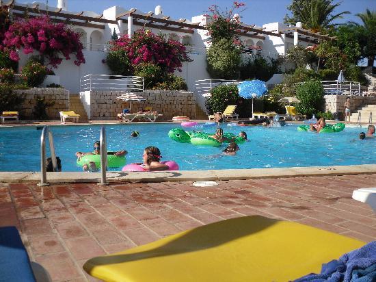 Vila Gaivota: pool