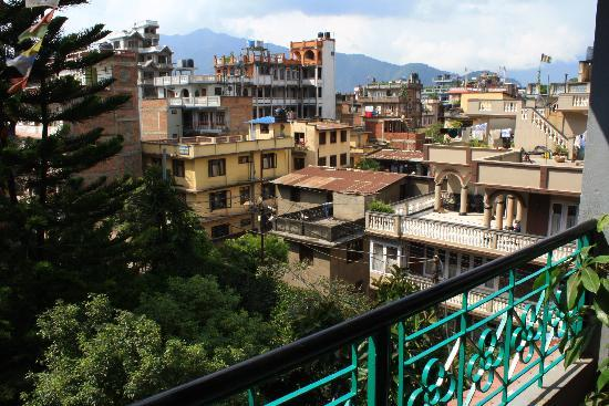 Hotel Ganesh Himal: View from common balcony of the 3rd floor