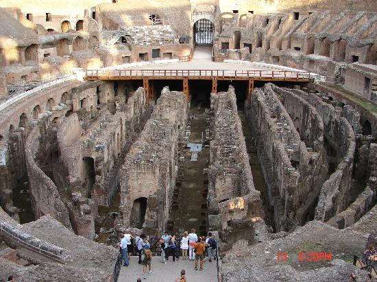"Ρώμη, Ιταλία: words to describe the Colosseum were hard to come by.  ""Amazing"" and ""Incredible"" seem too mild."