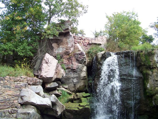 Pipestone National Monument: A beautiful small waterfall within the park