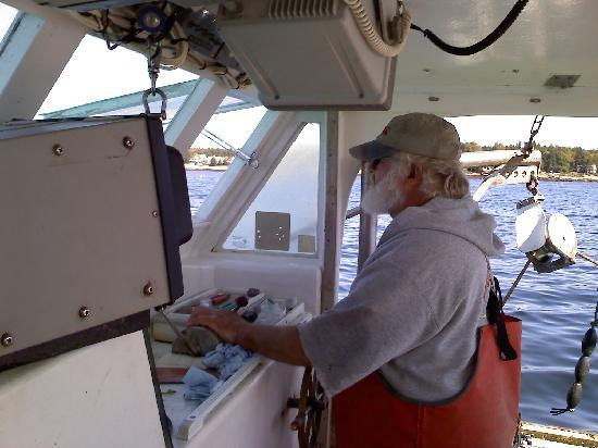 Lobster Boat Tour w/ Captain Clive Farrin : Captain Clive