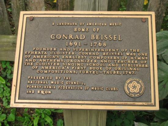 Ephrata, Pensilvania: Plaque in front of Beissel's house commemorating his significance for the early European history